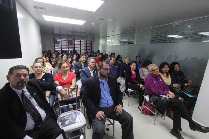 IMPULSAN ESQUEMAS DE PROFESIONALIZACIÓN EN DERECHO ADUANERO Y DE COMERCIO EXTERIOR