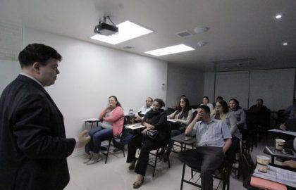 EXCESIVA LA NORMATIVIDAD MEXICANA PARA EL EJERCICIO DEL COMERCIO EXTERIOR