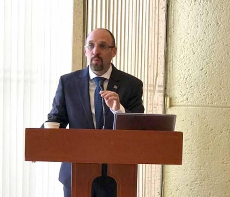 Urge marco regulatorio para economía digital: TLC